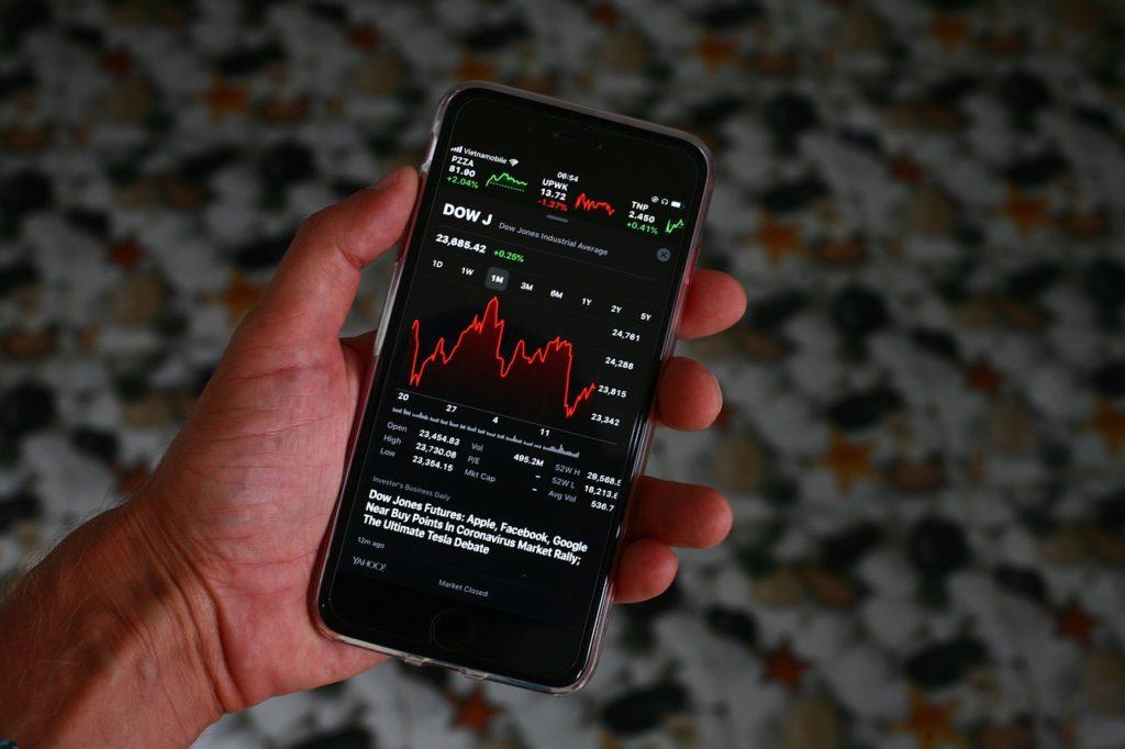 Iphone Stocks Market Shares Crash  - sergeitokmakov / Pixabay